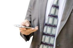 Affärsman som använder den smarta telefonen för mobil Arkivfoton