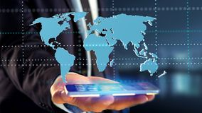 Affärsman som använder en smartphone med en förbindelsevärldskarta - 3d r Arkivbild