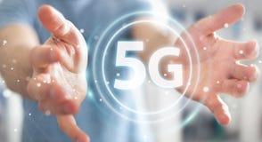 Affärsman som använder tolkningen för manöverenhet för nätverk 5G 3D Royaltyfri Fotografi