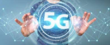 Affärsman som använder tolkningen för manöverenhet för nätverk 5G 3D Fotografering för Bildbyråer