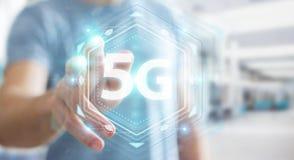 Affärsman som använder tolkningen för manöverenhet för nätverk 5G 3D Arkivfoto