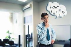 Affärsman som gör mental aritmetisk arkivfoto