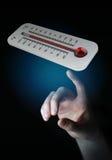 Affärsman som kontrollerar tolkningen för temperaturlöneförhöjning 3D Royaltyfria Bilder