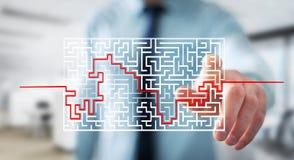 Affärsman som söker lösningen av en invecklad labyrint Arkivfoton