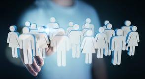 Affärsman som trycker på 3D som framför grupp människor med hans finge Arkivfoto