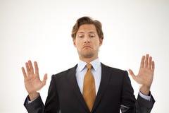 Affärsman som vägrar, genom att dra tillbaka av Fotografering för Bildbyråer