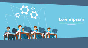 Affärsman Team Work Desktop Computer vektor illustrationer