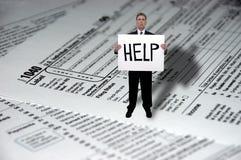 affärsmanbegreppsdatalistor hjälper att behöva skatt Arkivbilder