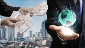 Affärsmanhandel med digitalt tillträde, Globle investeringconce royaltyfria bilder