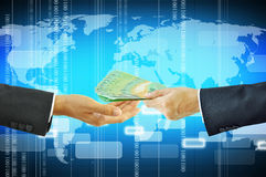 Affärsmannen räcker att ge & att motta pengar - australiska dollar Arkivbild