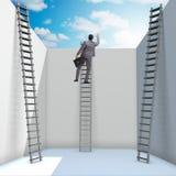Affärsmannen som klättrar en stege för att fly från problem royaltyfri foto