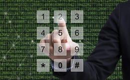Affärsmanpress numrerar systemet för begreppsaffärssäkerhet Royaltyfria Foton