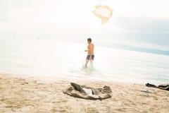 AffärsmanRunning Into The hav Royaltyfria Bilder