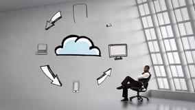 Affärsmansammanträde bredvid livliga elektroniska apparater som cirklar molnet lager videofilmer