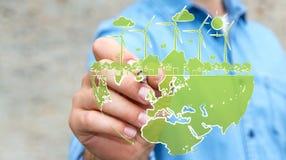 Affärsmanteckningsförnybara energikällor skissar Royaltyfri Bild