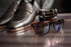 Affärsmantillbehör Stil för man` s Tillbehör för man` s: Fjäril för man` s, skor för man` s, klockor för man` s Arkivfoton