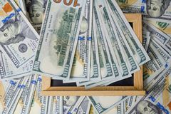 Affärsplan på diagram för finansiell inkomst, dollar- och affärs royaltyfri bild