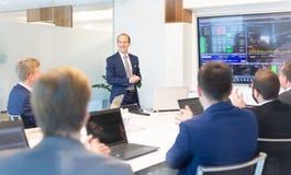 Affärspresentation på företags möte Företags affärsidé royaltyfri bild