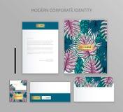 Affärsuppsättning för företags identitet Modern brevpappermalldesign Dokumentation för affär Royaltyfri Bild