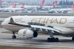 A6-AFF Etihad Airways, Luchtbus A330-343 Stock Foto's