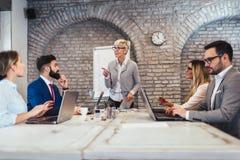 Aff?r Team Meeting Working Presentation Concept royaltyfria bilder