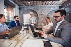 Aff?r Team Meeting Working Presentation Concept arkivbild