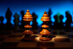 Affaire sur une table d'échecs Image libre de droits
