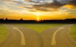 Affaires de deux routes pour votre succès ou échec bien choisi choisi photo libre de droits