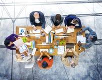 Affaires de poste de travail de stratégie d'association de planification de séance de réflexion Image stock