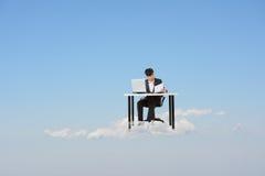 Affaires nuageuses de travail Image stock