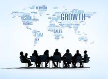 Affaires Team Meeting avec des concepts d'affaires du monde Image libre de droits