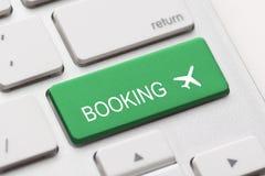 Affare del controllo della mosca di viaggio dell'aereo della tastiera di prenotazione di volo Fotografie Stock Libere da Diritti