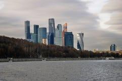 Affare della città di Mosca e centro degli appartamenti Fotografia Stock Libera da Diritti
