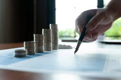 Affare della moneta di simbolo, finanza, crescita finanziaria, investimento che si consulta, finanza, investimento, affare, lavor immagini stock