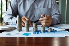 Affare della moneta di simbolo, finanza, crescita finanziaria, investimento che si consulta, finanza, investimento, affare, lavor fotografia stock libera da diritti