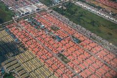 Affare della proprietà e della terra dalla vista aerea Fotografie Stock