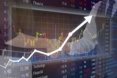 Affare ed accordo di affari con la stretta di mano e l'investimento finanziario Immagine Stock