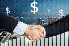 Affare o concetto di affari di accordo, doppia esposizione della stretta di mano, c Fotografia Stock Libera da Diritti