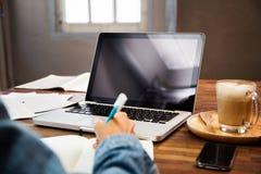 Affare Person Using Laptop Computer immagini stock