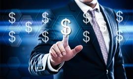 Affare, tecnologia, concetto di Internet sugli esagoni e fondo trasparente del favo faccia i soldi sullo schermo virtuale Fotografie Stock