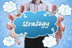 Affare, tecnologia, Internet e vendita Giovane uomo d'affari Immagini Stock
