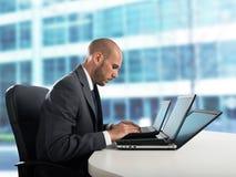 Affaticamento e sforzo nell'ufficio Immagine Stock