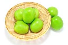 Affe-apfelgrüne Frucht auf lokalisiert Stockfotos