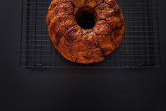 Affe-Brot mit Karamell und Zimt Stockbild
