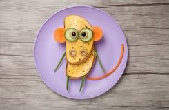 Affe gemacht vom Brot und vom Gemüse Lizenzfreie Stockfotografie