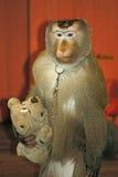 Affe mit Spielzeug Lizenzfreies Stockbild