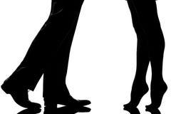 Affectez les amoureux d'homme et de femme de couples de pieds de pattes Photos stock