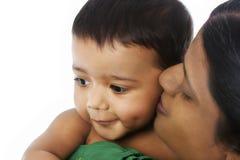Affectie van moeder aan baby stock foto