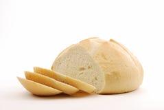Affettato intorno al pane di lievito naturale Immagine Stock Libera da Diritti