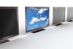 Affichage à cristaux liquides élégant TV restant à l'extérieur Photo libre de droits